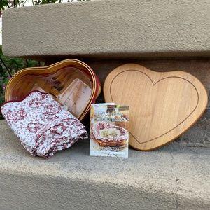 Longaberger 1999 Love Letters Sweetheart Basket
